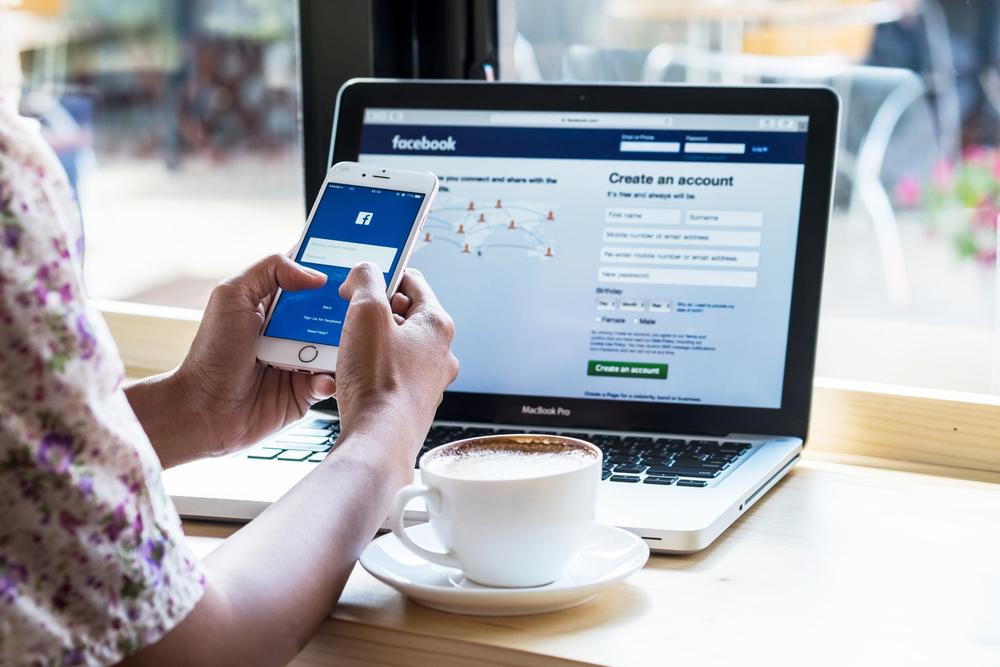 Facebookの登録画面